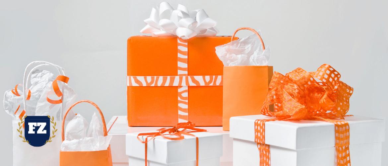 коробки с подарками гл